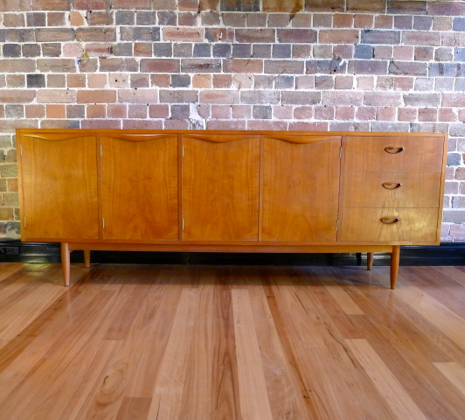Chiswell Sideboard Collectika Vintage And Retro