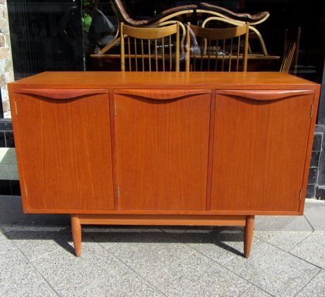 Chiswell 3 Door Sideboard Collectika Vintage And Retro