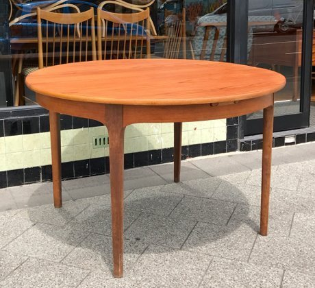 Vintage Round Nathan Furniture Extendable Dining Table