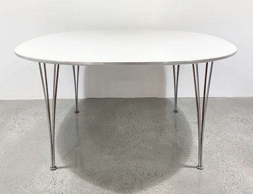Fritz Hansen dining table